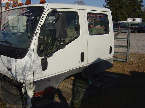 mitsubishi fuso fe truck 2003 4 door cab used busbee 39 s. Black Bedroom Furniture Sets. Home Design Ideas