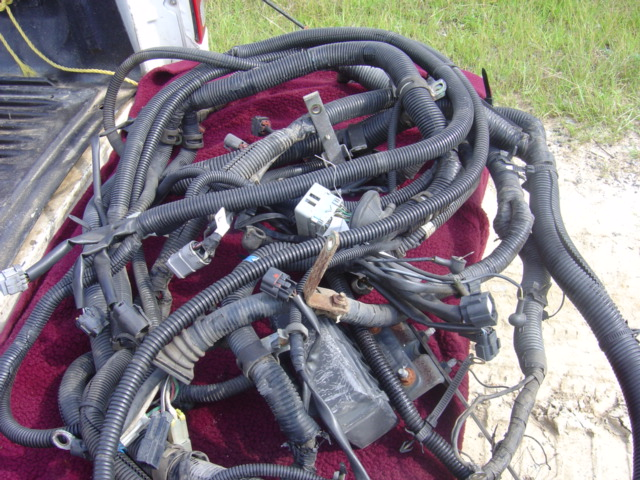 mitsubishi fuso wiring harness fk 1995 up used busbee 39 s. Black Bedroom Furniture Sets. Home Design Ideas