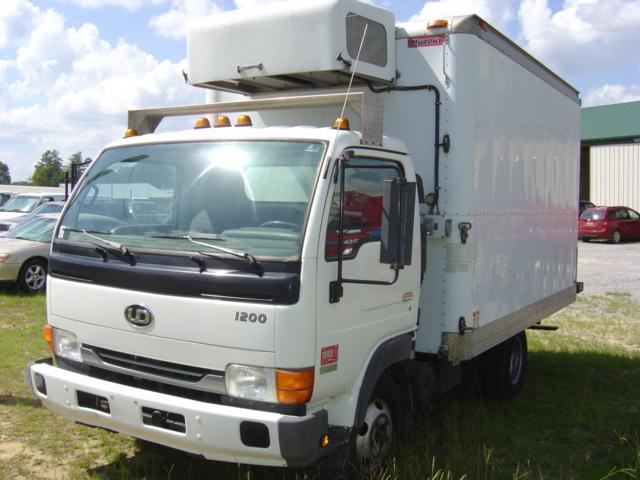 DSC00760_8 19 nissan ud trucks isuzu npr nrr truck parts busbee GM Transmission Wiring Diagram at edmiracle.co