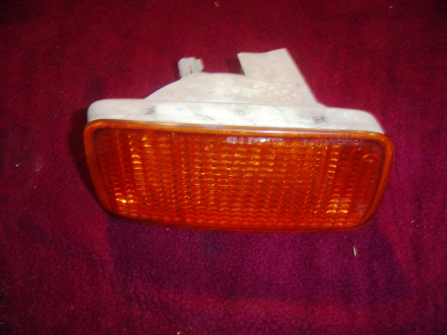 Ud Turn Signal Light 1800 2000 2300 2600 3300 Right Side