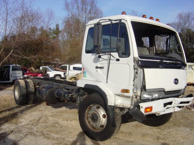 ud 3300 truck manual transmission 1999 used busbee 39 s trucks and parts. Black Bedroom Furniture Sets. Home Design Ideas