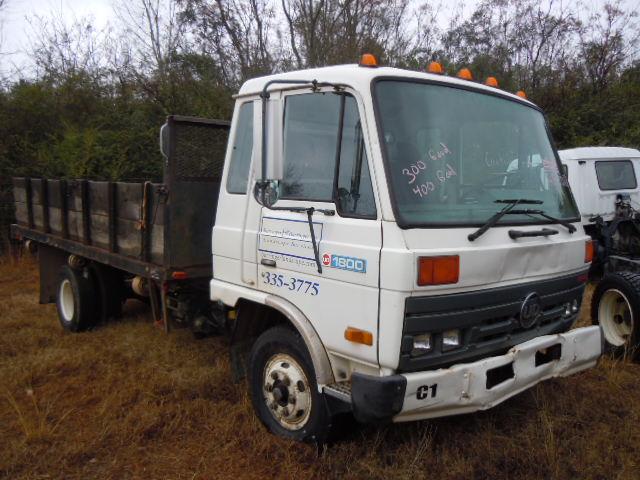 dscn1079_1 6 11 nissan ud trucks isuzu npr nrr truck parts busbee Nissan UD Truck Wiring Diagram at bakdesigns.co
