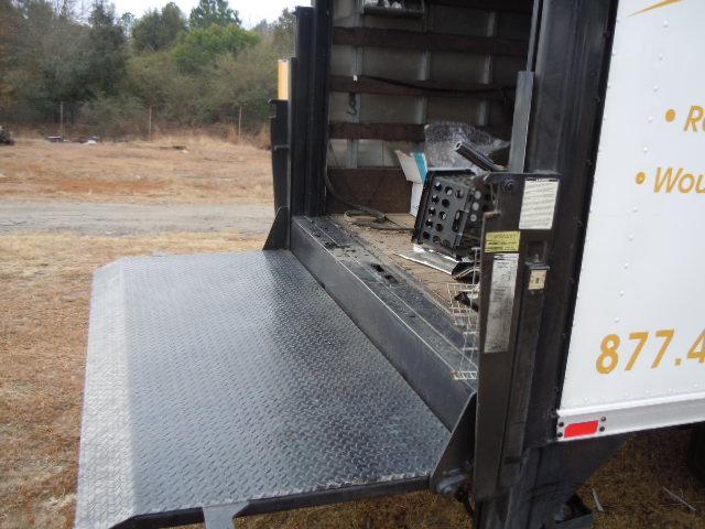 lift gate maxon 1600 pound capacity used busbee 39 s trucks. Black Bedroom Furniture Sets. Home Design Ideas