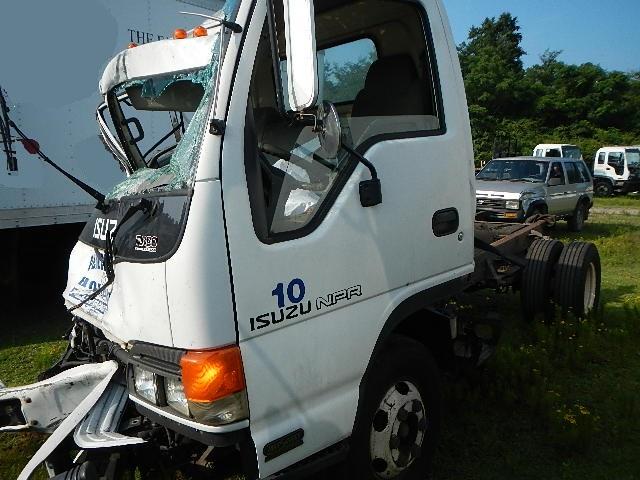2005 isuzu npr 4hk1 tc a t busbee s trucks and parts