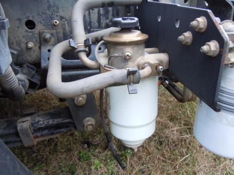 isuzu fuel filter npr & gmc w series 1999-2004 used