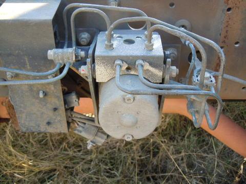 Mitsubishi FUSO ABS Brake Pump   Isuzu NPR NRR Truck Parts