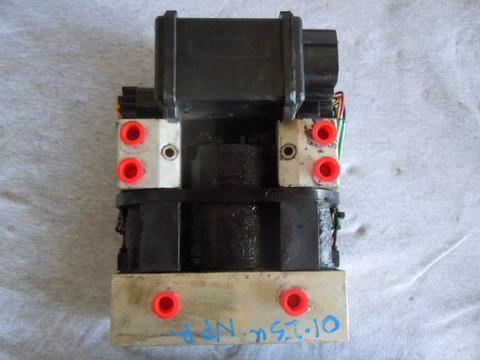 isuzu npr nqr abs brake pump 1999 2004 gmc w3500 w4500. Black Bedroom Furniture Sets. Home Design Ideas