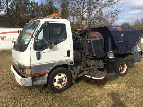 2001 mitsubishi fuso fe sweeper isuzu npr nrr truck parts busbee rh busbeetruckparts com Mitsubishi Fuso Truck 2007 Mitsubishi Fuso FE140