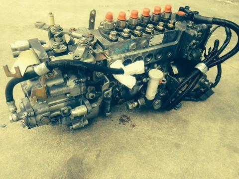 mitsubishi fuso fh 6d16 injection pump me075516 used isuzu npr nrr rh busbeetruckparts com Mitsubishi Engines Turn Key Engine Mitsubishi Engine Parts